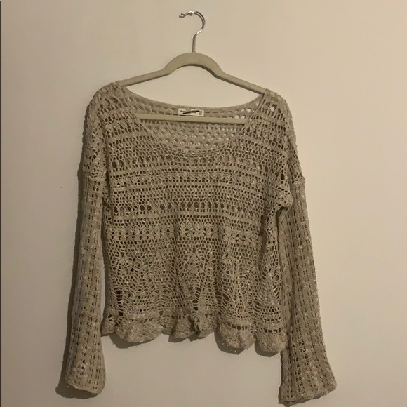 Abercrombie & Fitch Sweaters - Abercrombie open knit bell sleeve crop sweater